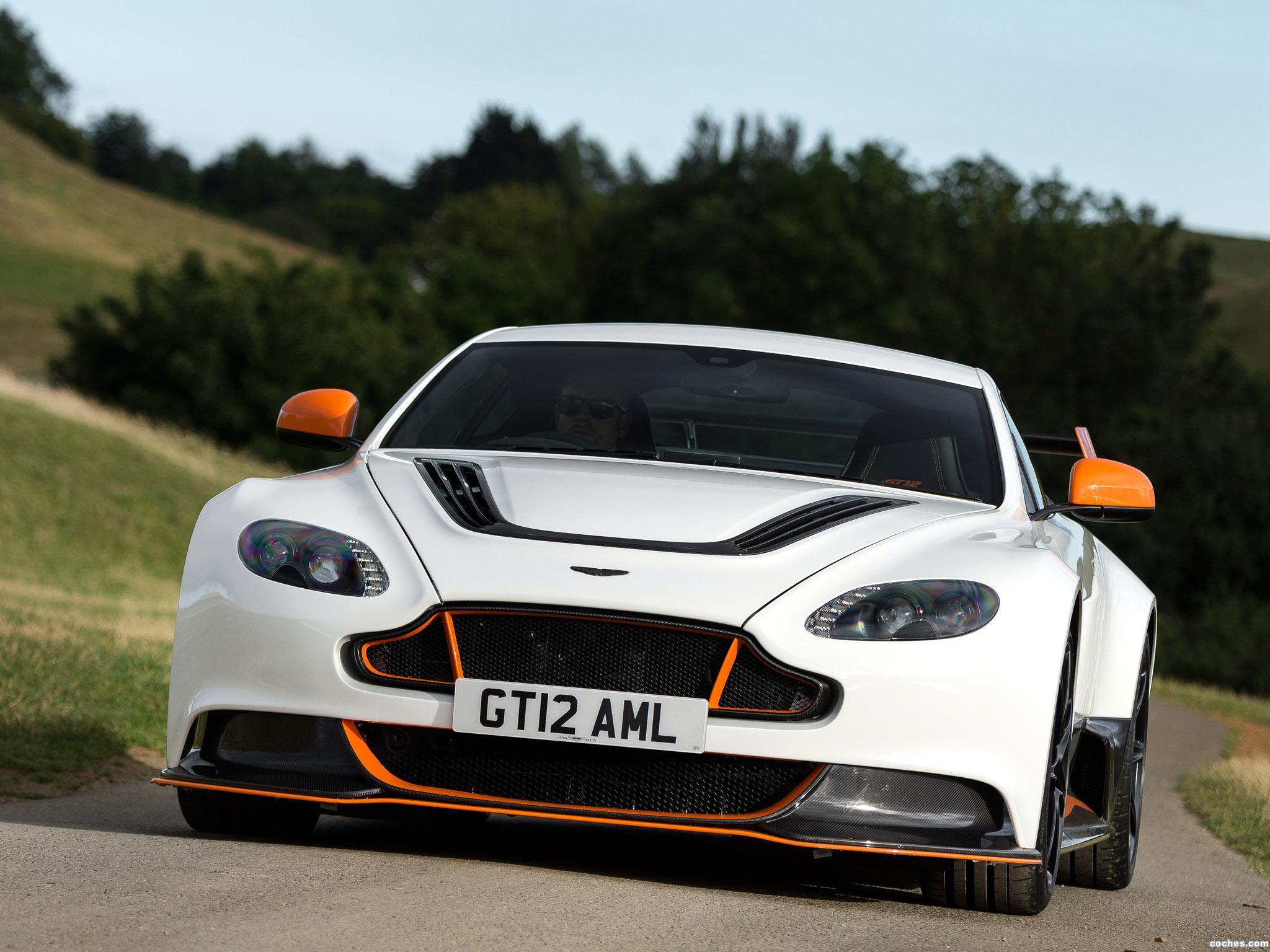 Foto 1 de Aston Martin V12 Vantage GT12 UK 2015