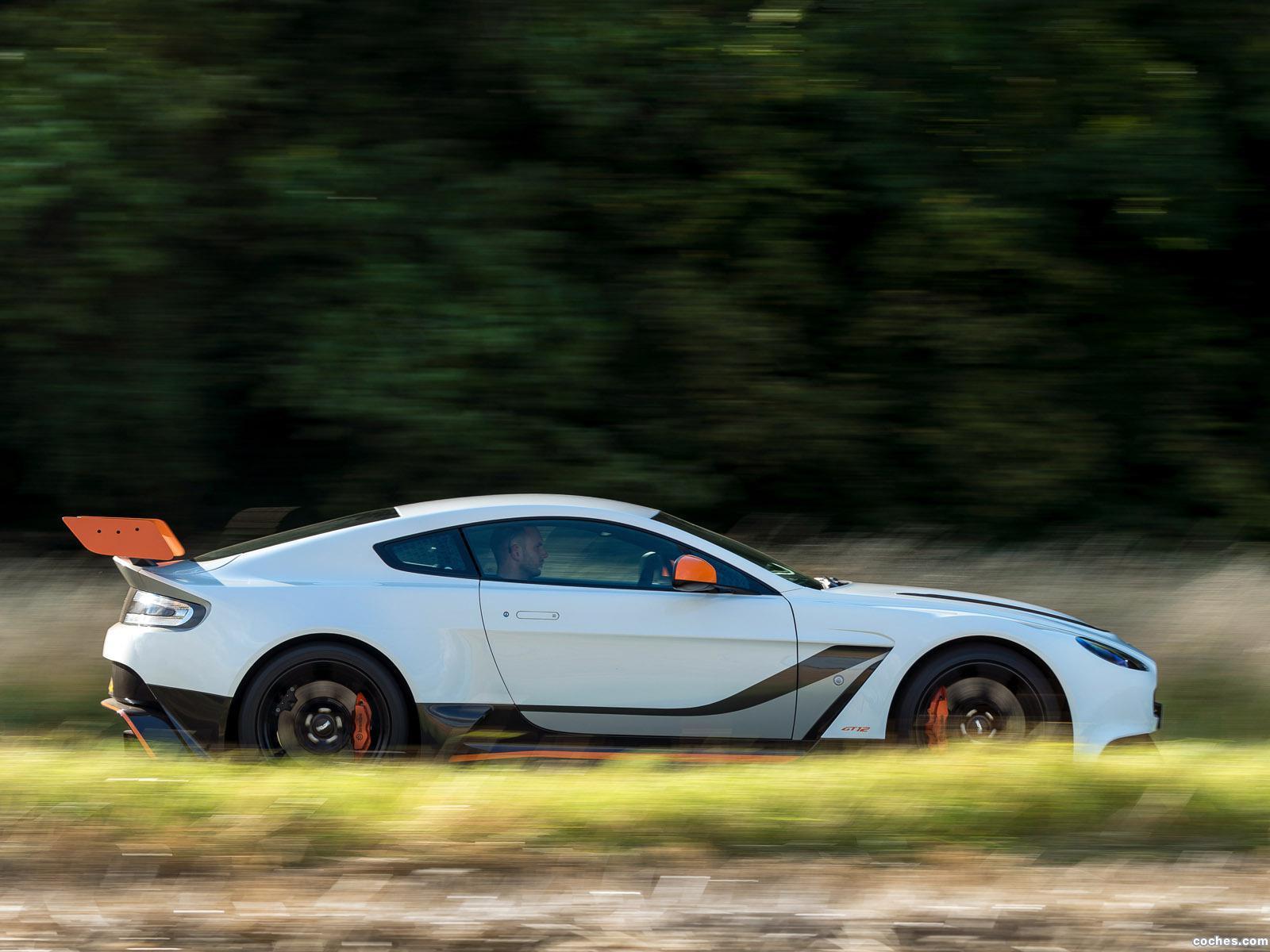 Foto 22 de Aston Martin V12 Vantage GT12 UK 2015