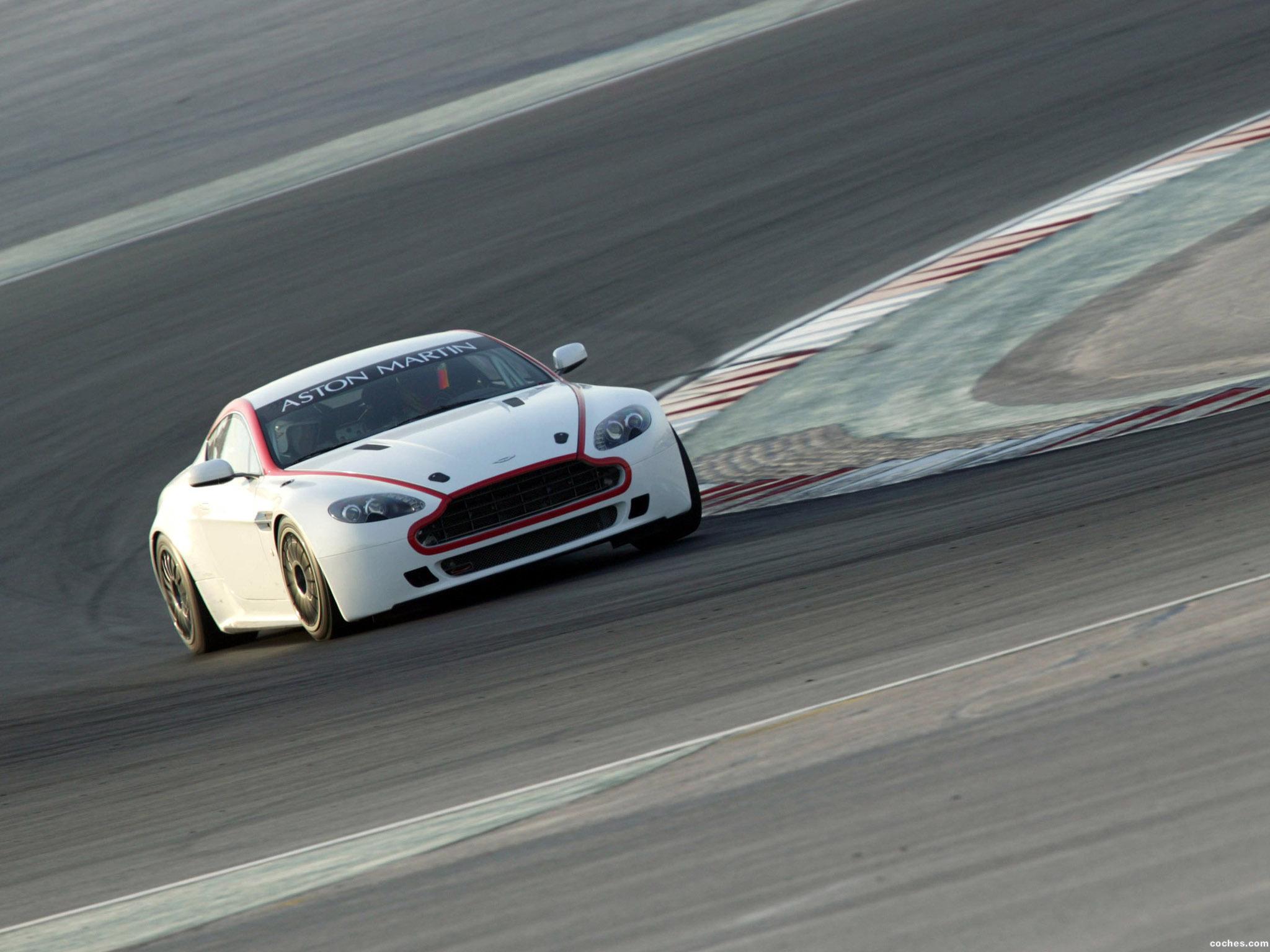 Foto 1 de V8 Vantage GT4 2008