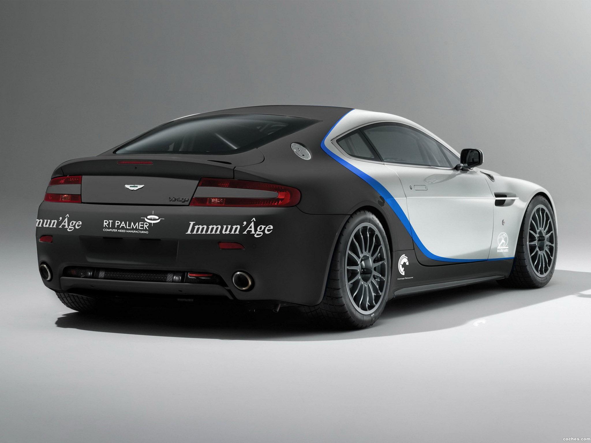 Foto 1 de V8 Vantage GT4 2010