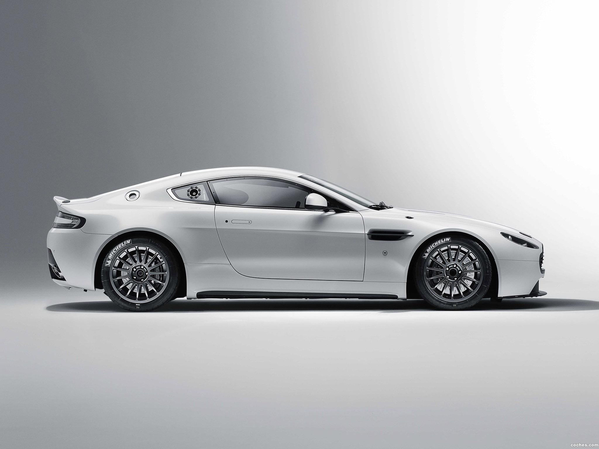 Foto 2 de Aston Martin V8 Vantage GT4 2010