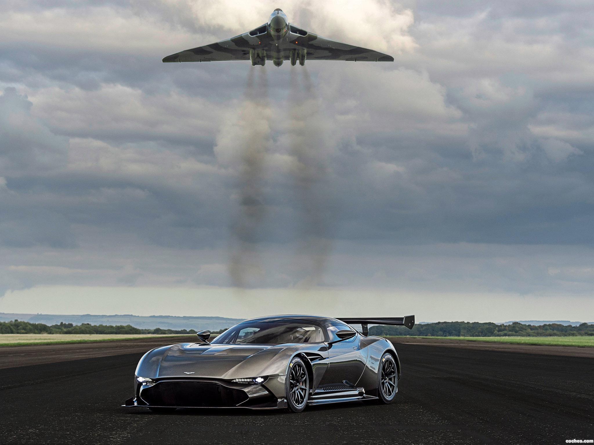 Foto 19 de Aston Martin Vulcan 2015