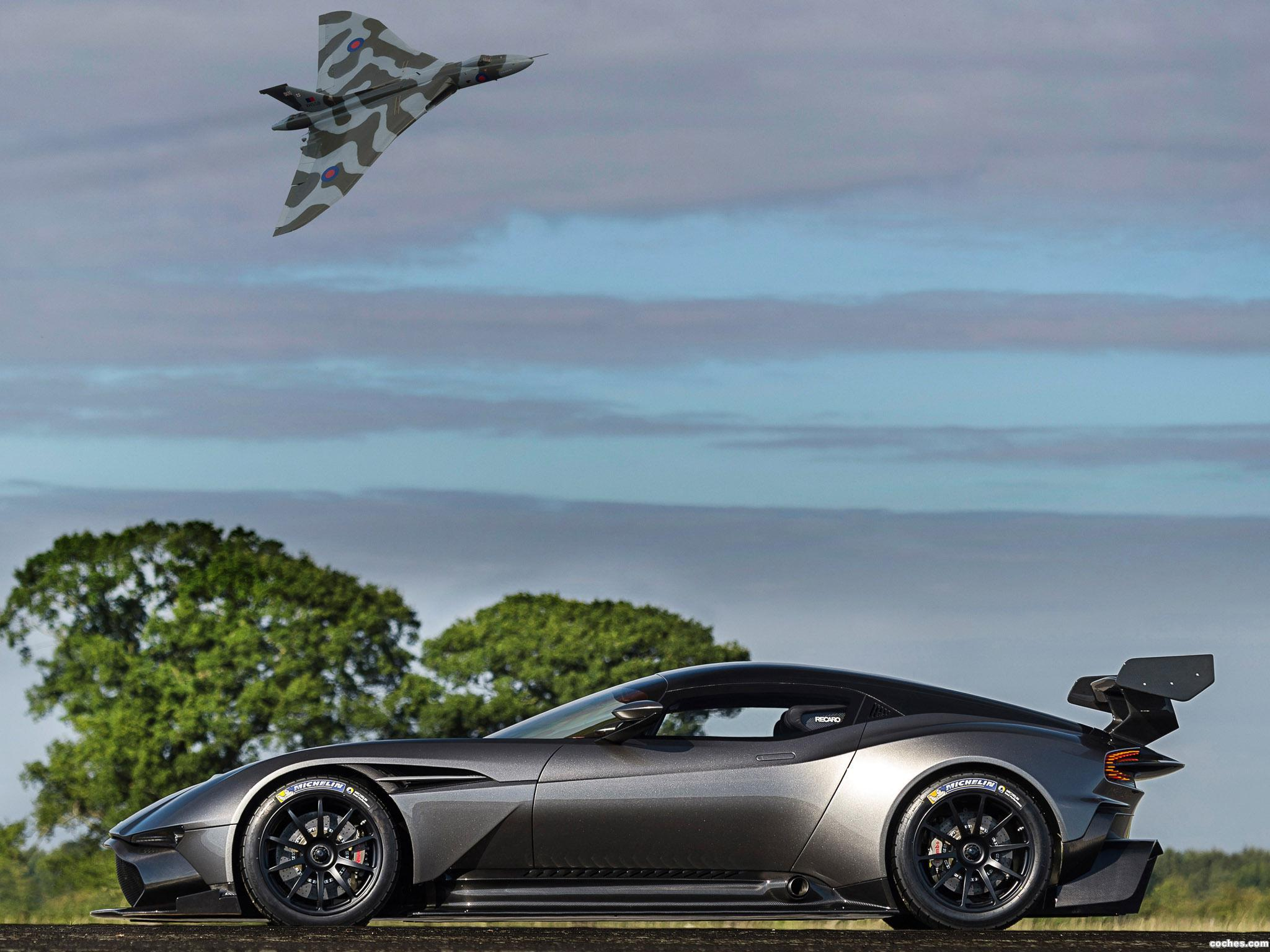 Foto 17 de Aston Martin Vulcan 2015