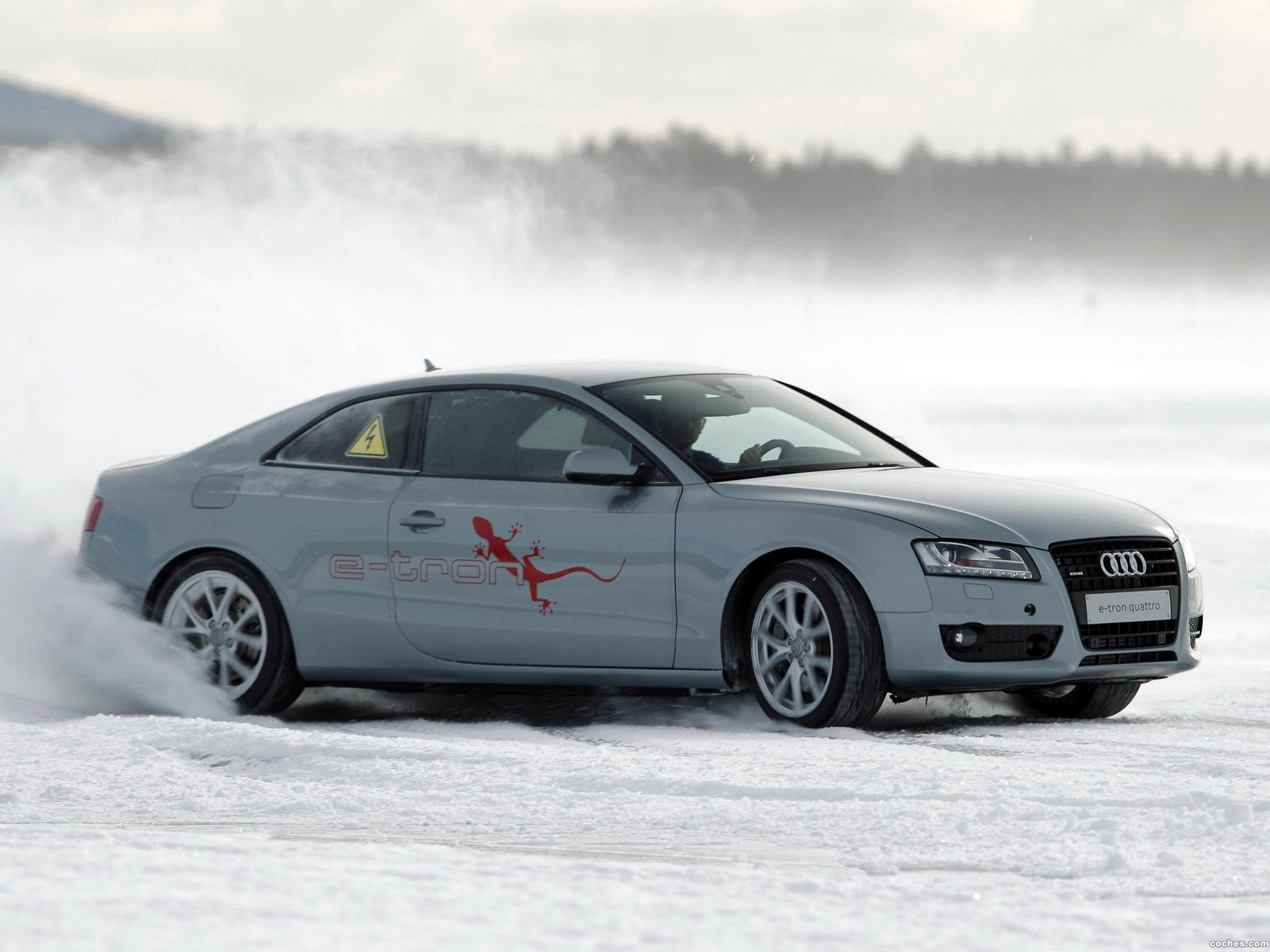 Foto 2 de Audi A5 e-tron Quattro Coupe 2011