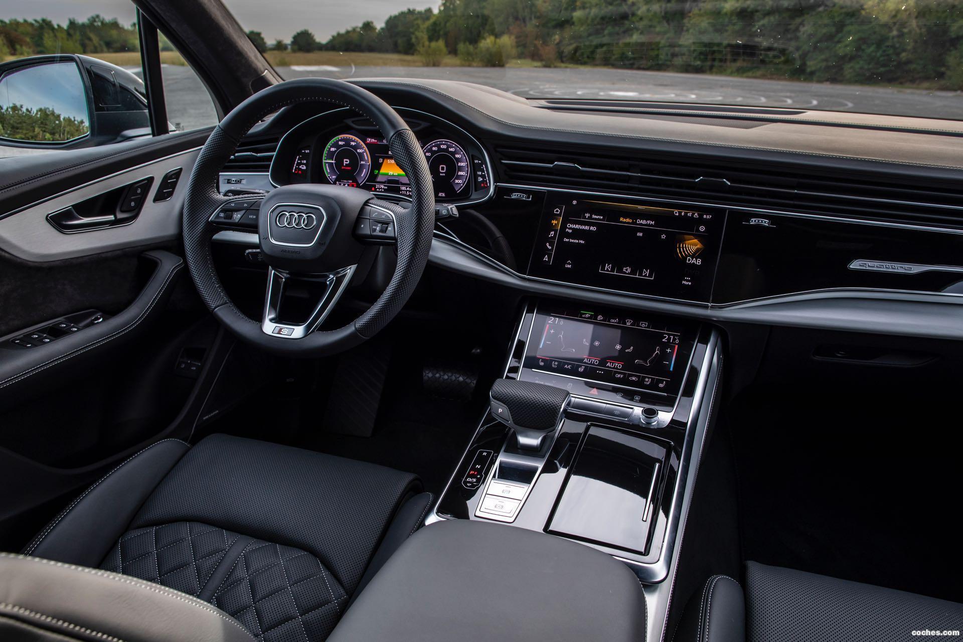 Foto 28 de Audi Q7 60 TFSIe quattro S line 2020