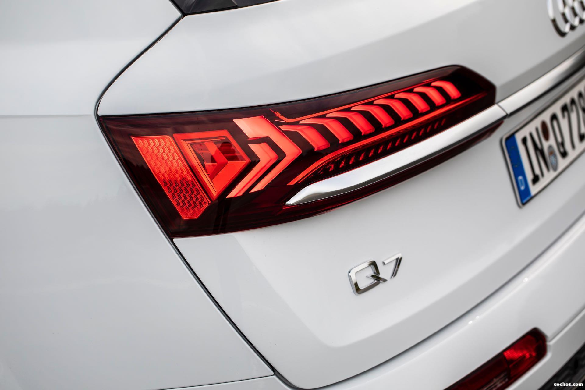 Foto 21 de Audi Q7 60 TFSIe quattro S line 2020