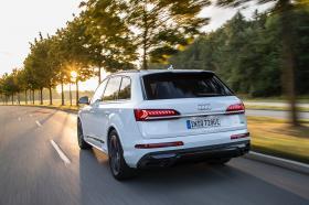 Ver foto 6 de Audi Q7 60 TFSIe quattro S line 2020