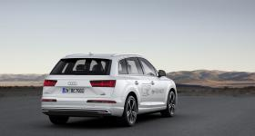 Ver foto 2 de Audi Q7 e-tron 2016