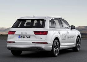 Ver foto 3 de Audi Q7 e-tron 2016