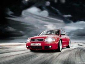 Ver foto 5 de Audi RS4 Avant B5 1999