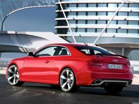 Ver foto 4 de Audi RS5 Coupe 2010