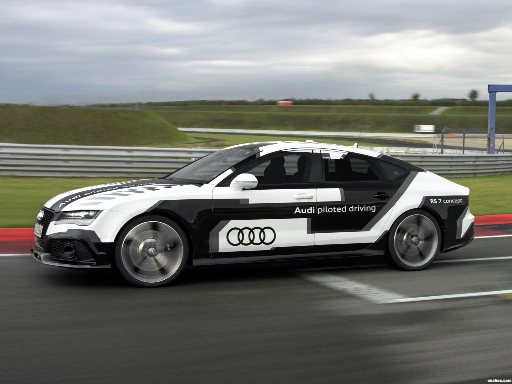Foto 1 de Audi RS7 Piloted Driving Concept 2014