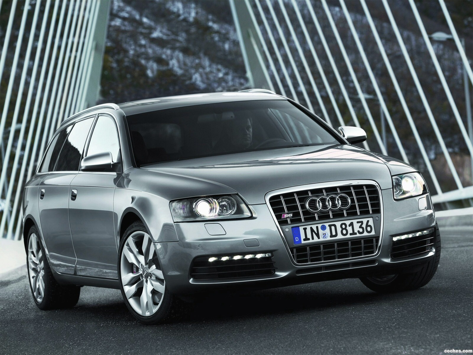 Foto 17 de Audi S6 Avant 2006