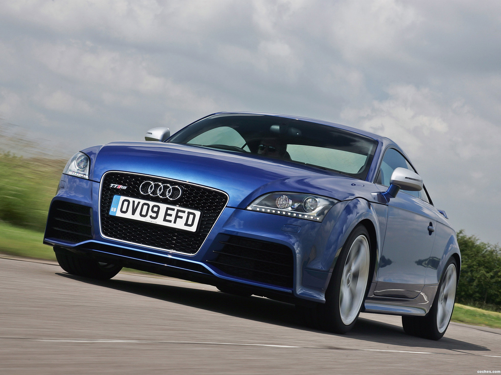 Foto 2 de Audi TT RS Coupe UK 8J 2009