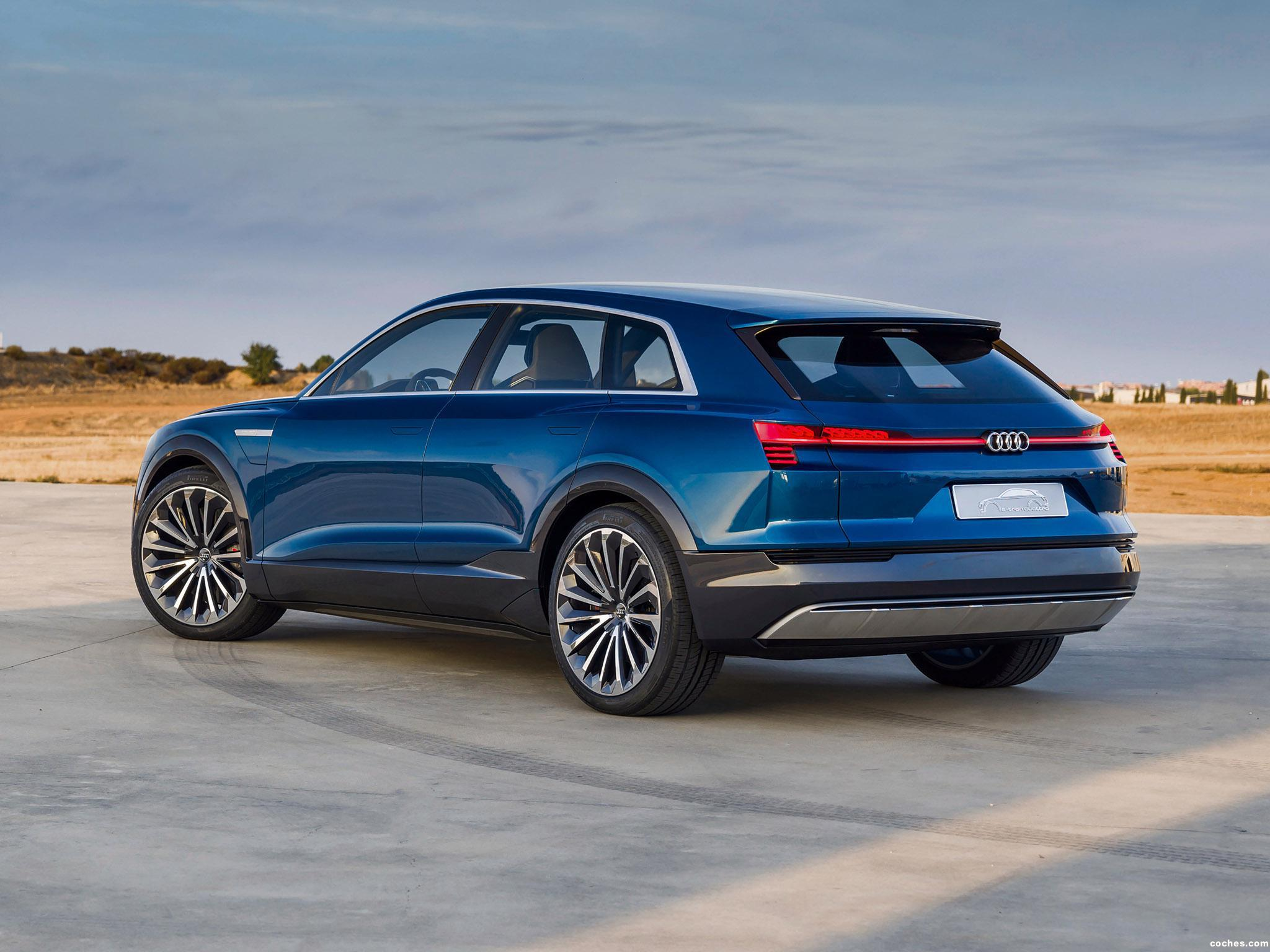 Foto 25 de Audi e-Tron Quattro Concept  2015
