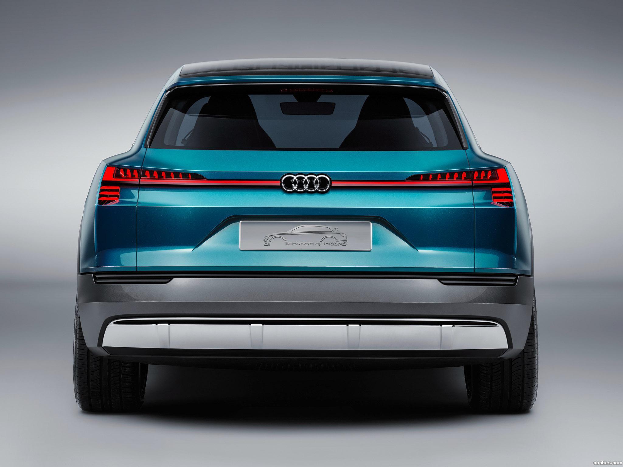 Foto 16 de Audi e-Tron Quattro Concept  2015