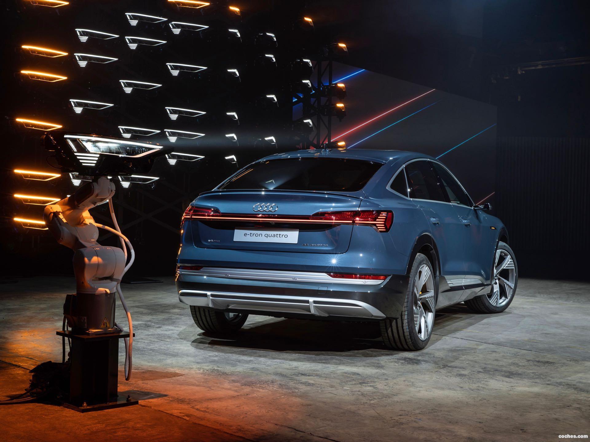 Foto 14 de Audi e-tron 55 quattro Sportback S line 2020