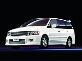Fotos de Nissan Bassara Rider 2001