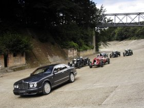 Ver foto 14 de Bentley Brooklands 2008