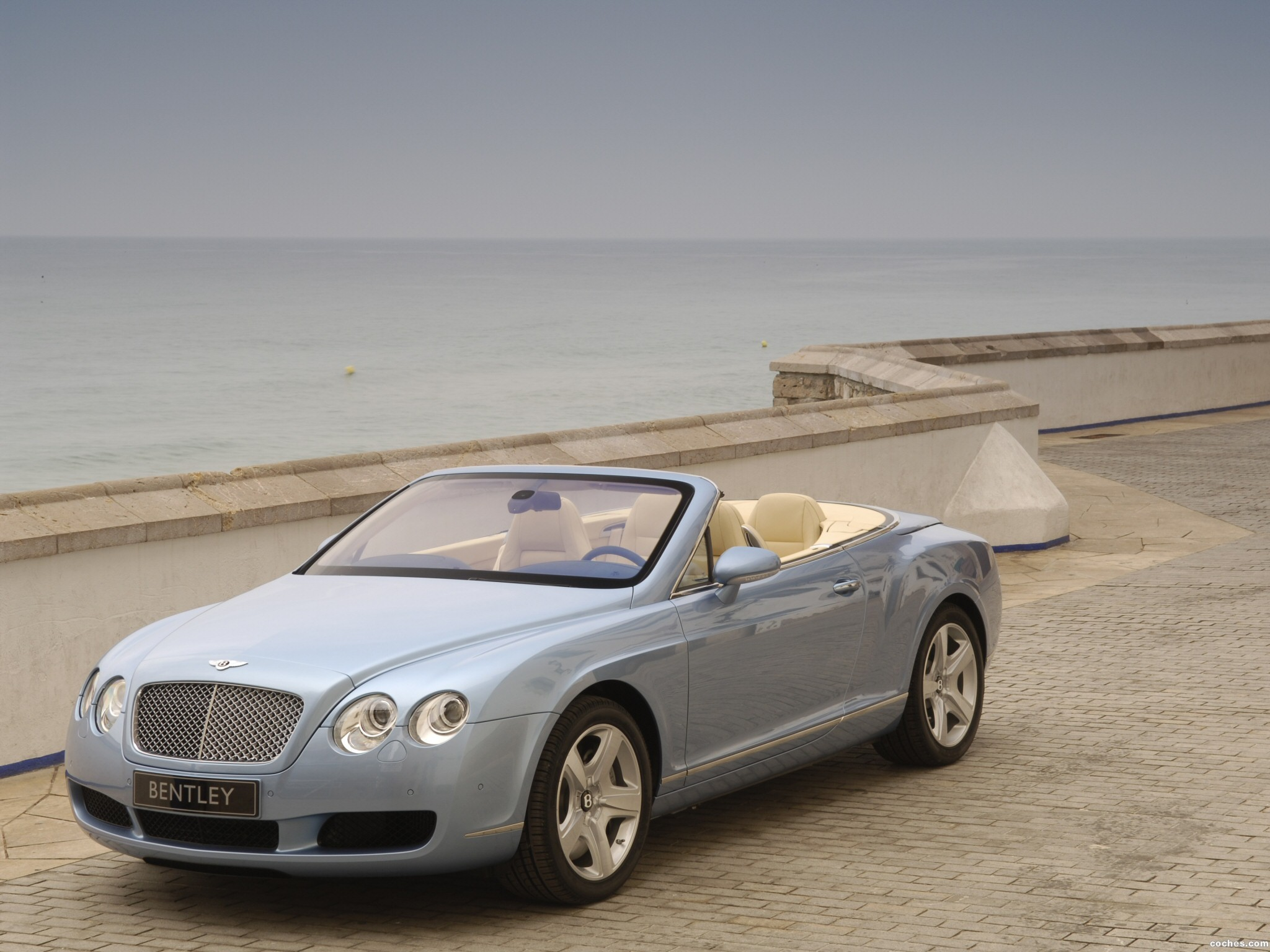 Foto 5 de Bentley Continental-GTC 2006