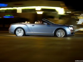 Ver foto 2 de Bentley Continental-GTC 2006
