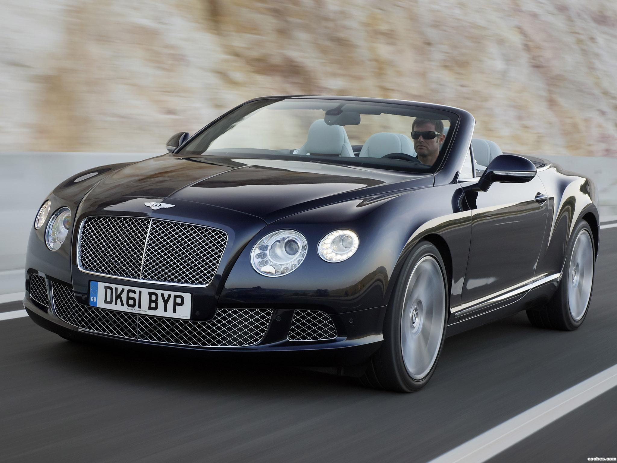 Foto 0 de Bentley Continental GTC Dark Sapphire 2011