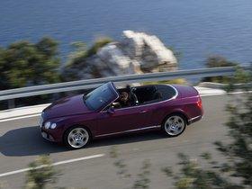 Ver foto 3 de Bentley Continental GTC Magenta 2011
