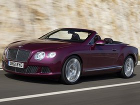 Fotos de Bentley Continental GTC Magenta 2011