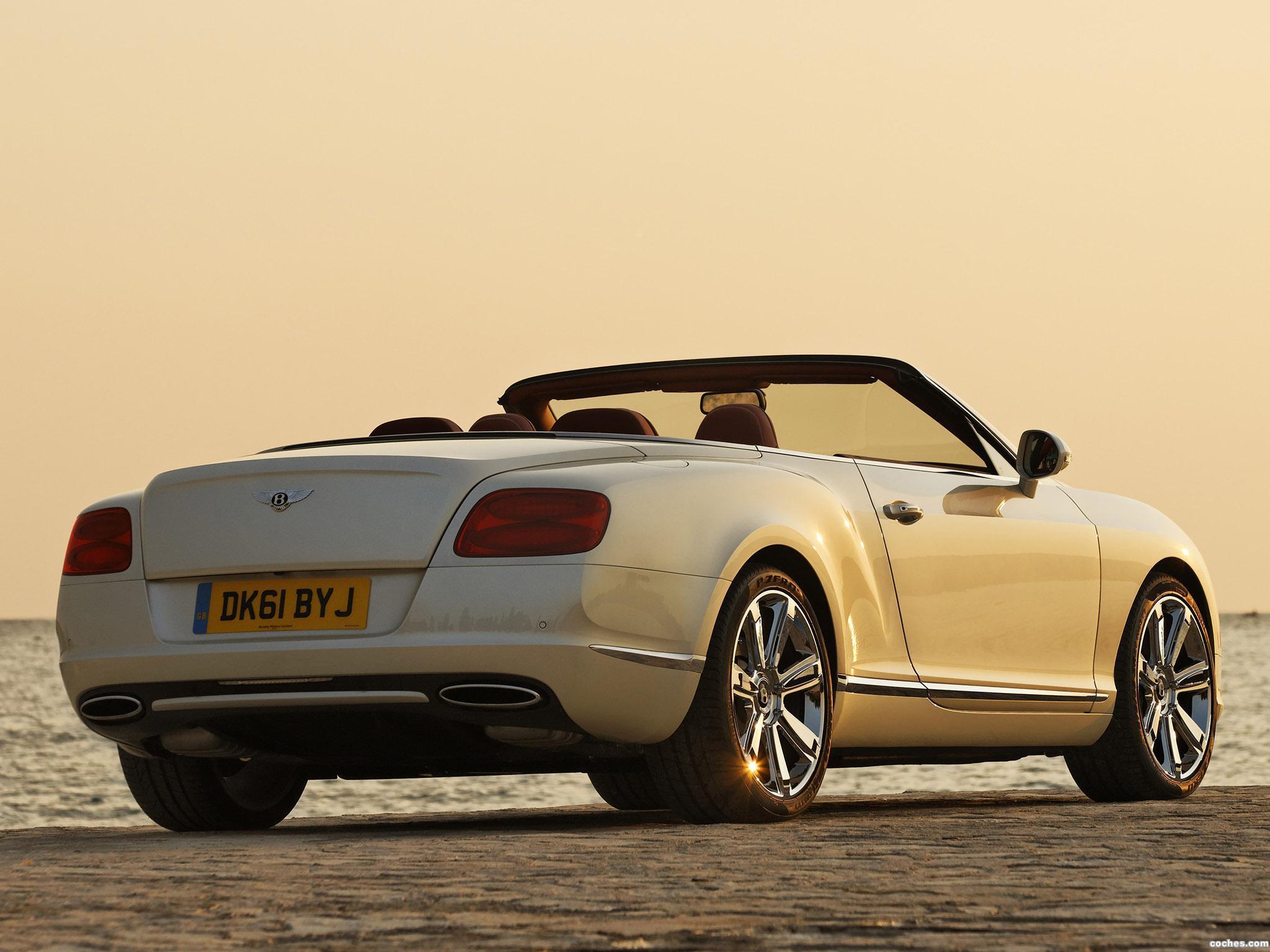 Foto 3 de Bentley Continental GTC Silk White 2011
