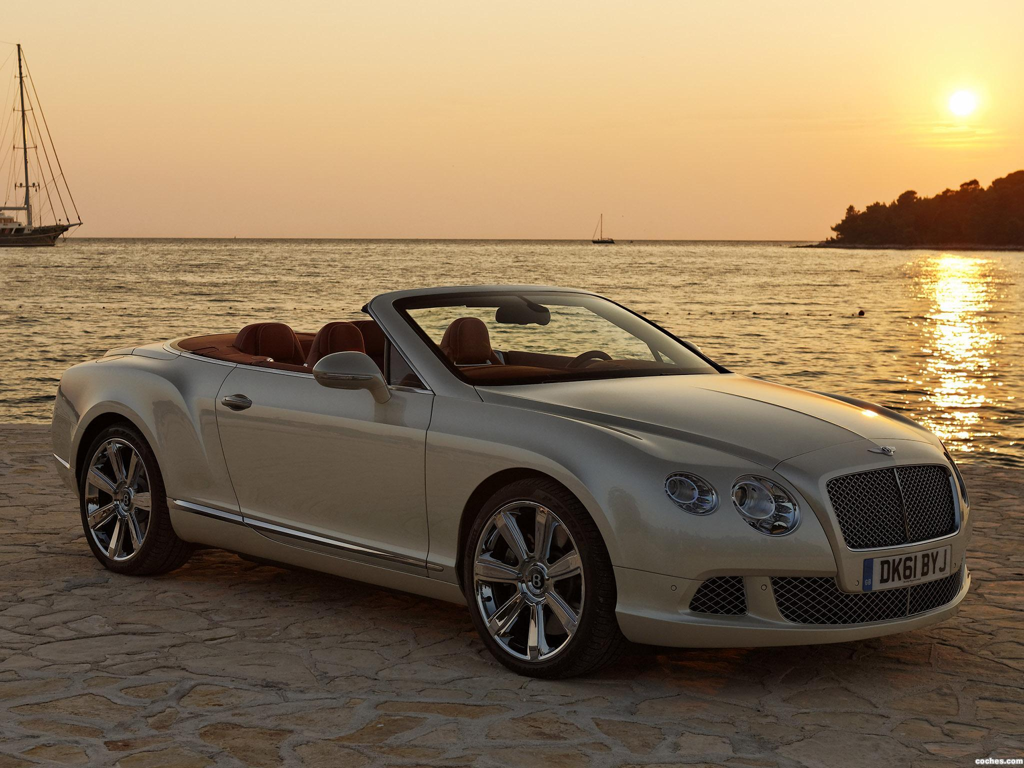 Foto 0 de Bentley Continental GTC Silk White 2011