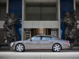 Ver foto 25 de Bentley Flying Spur 2013