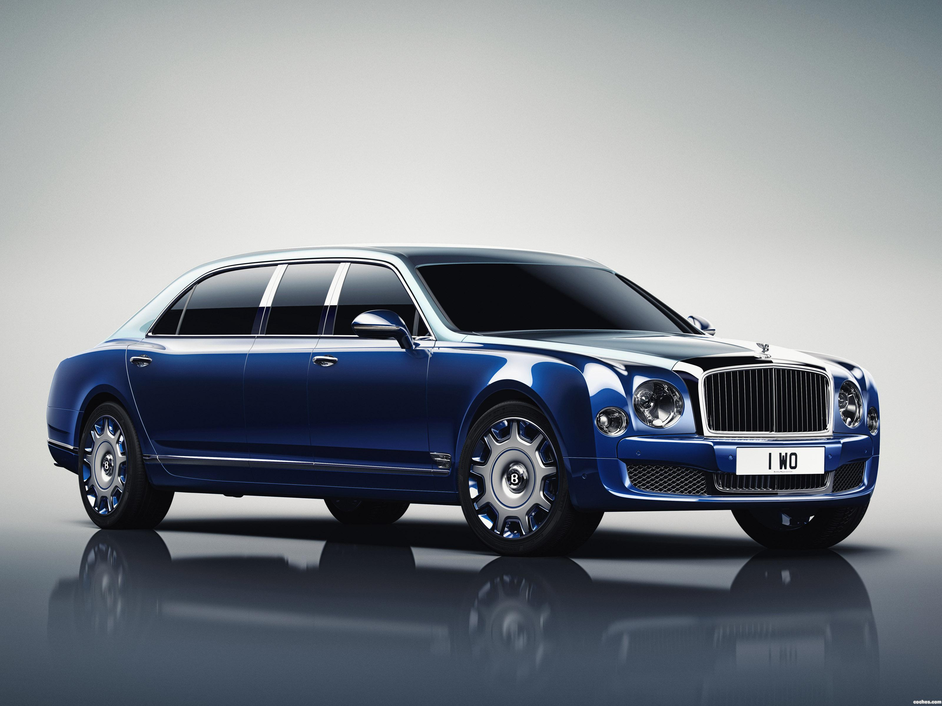 Foto 0 de Bentley Mulsanne Grand Limousine by Mulliner 2016