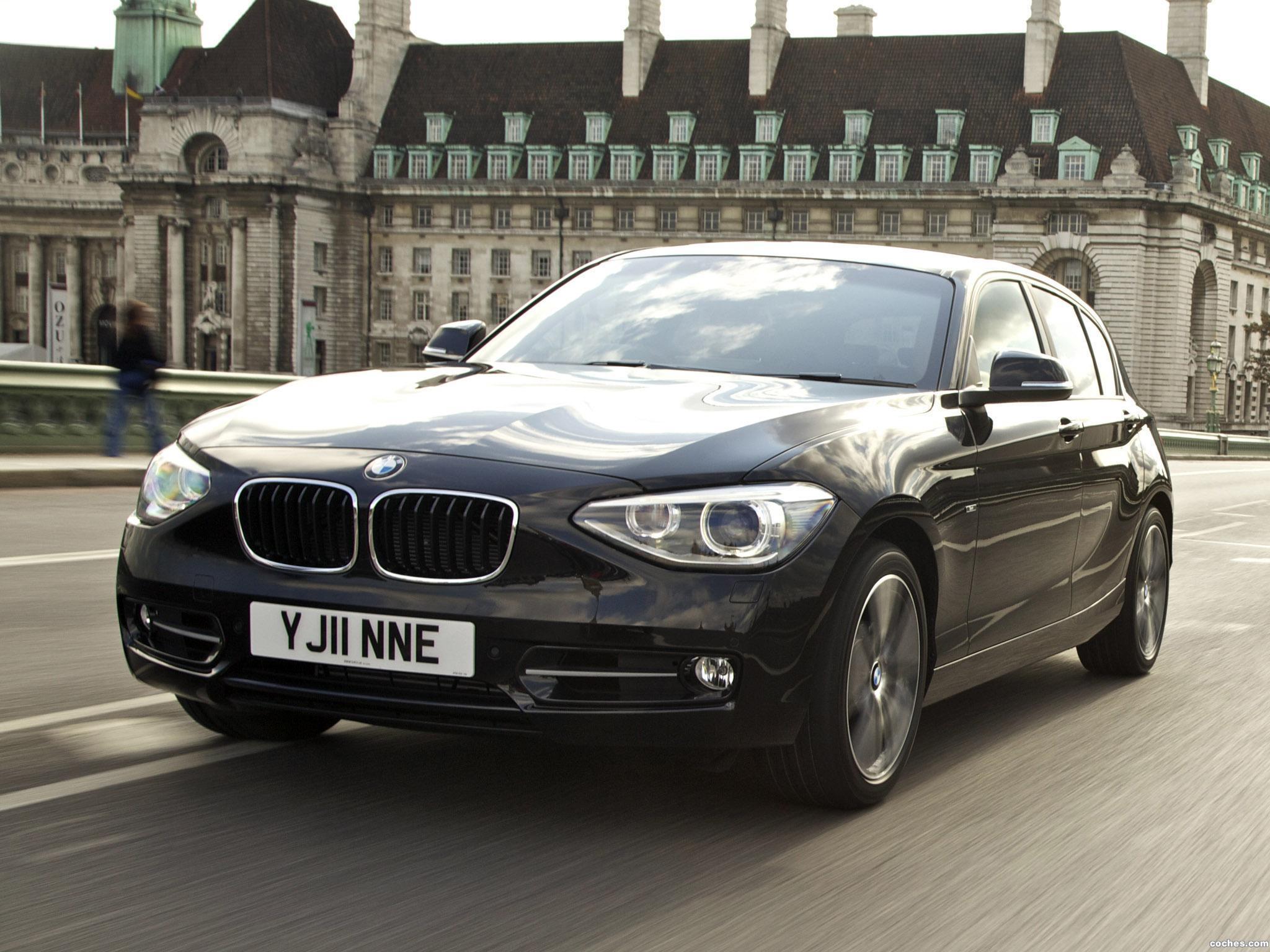 Foto 4 de BMW Serie 1 118i 5 puertas Sport Line F20 UK 2011