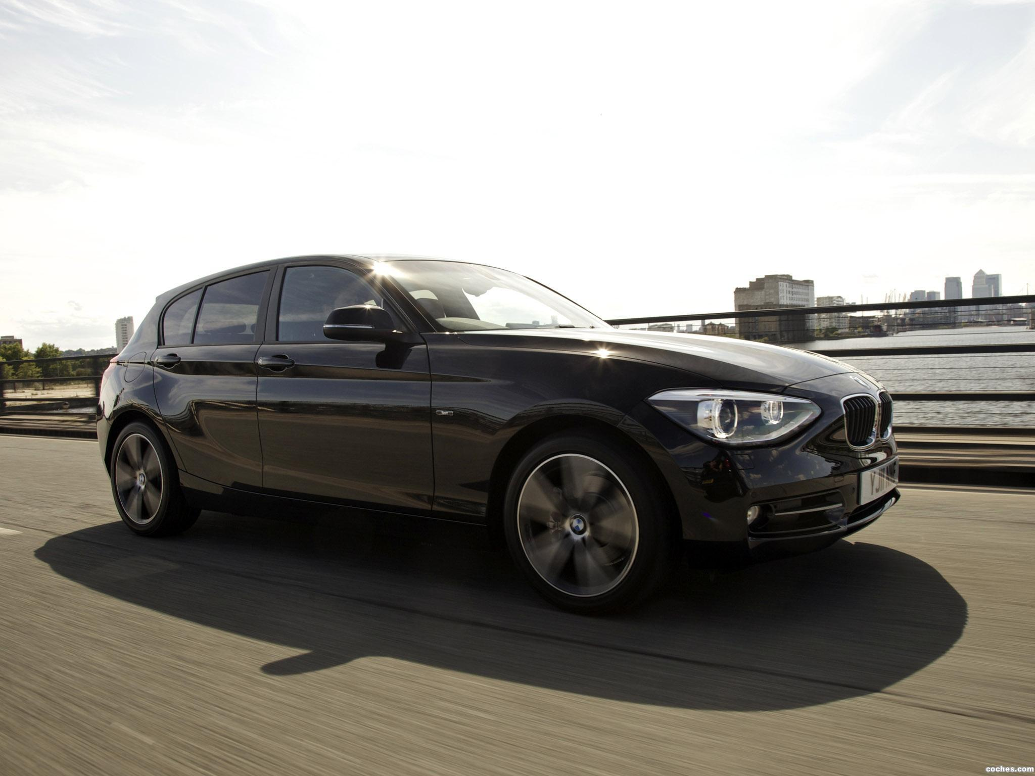 Foto 3 de BMW Serie 1 118i 5 puertas Sport Line F20 UK 2011