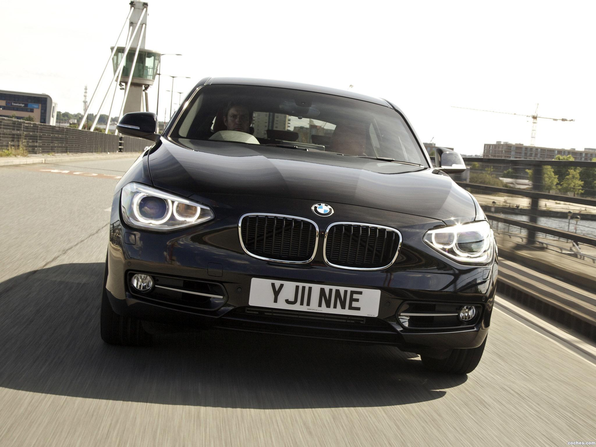 Foto 14 de BMW Serie 1 118i 5 puertas Sport Line F20 UK 2011