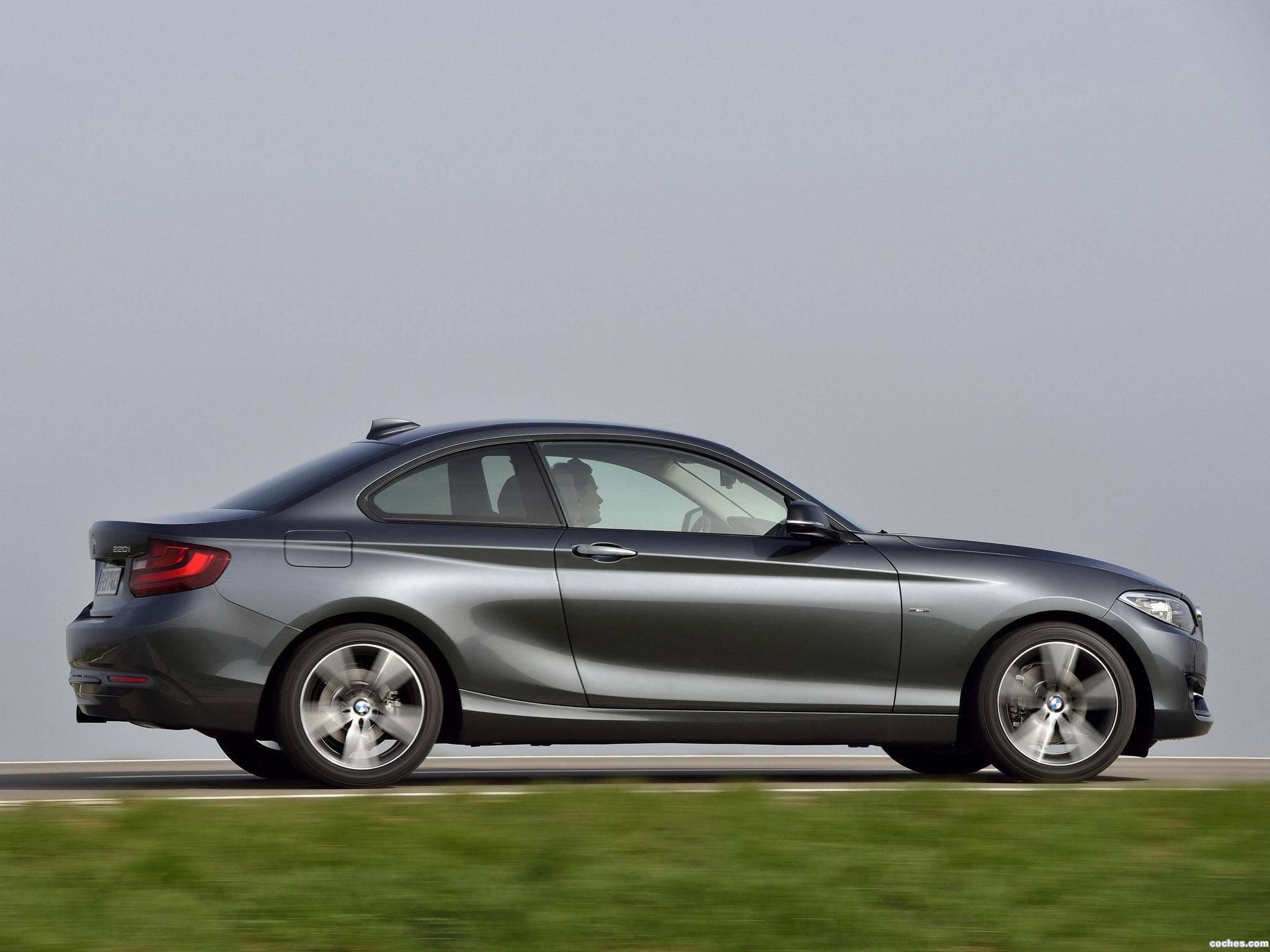 Foto 1 de BMW Serie 2 Coupe Sport Line F22 2014