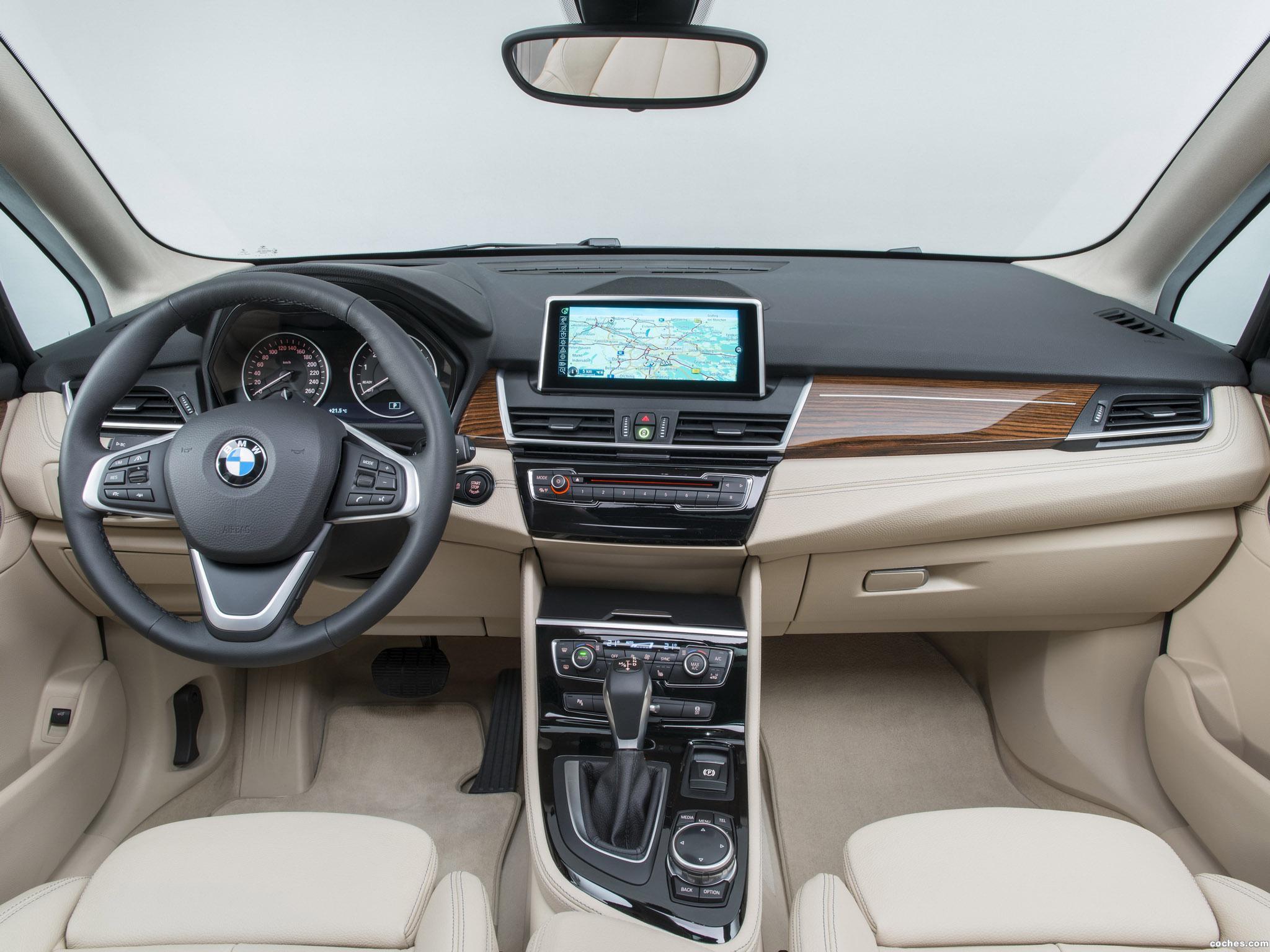 Foto 62 de BMW Serie 2 Active Tourer F45 225i 2014