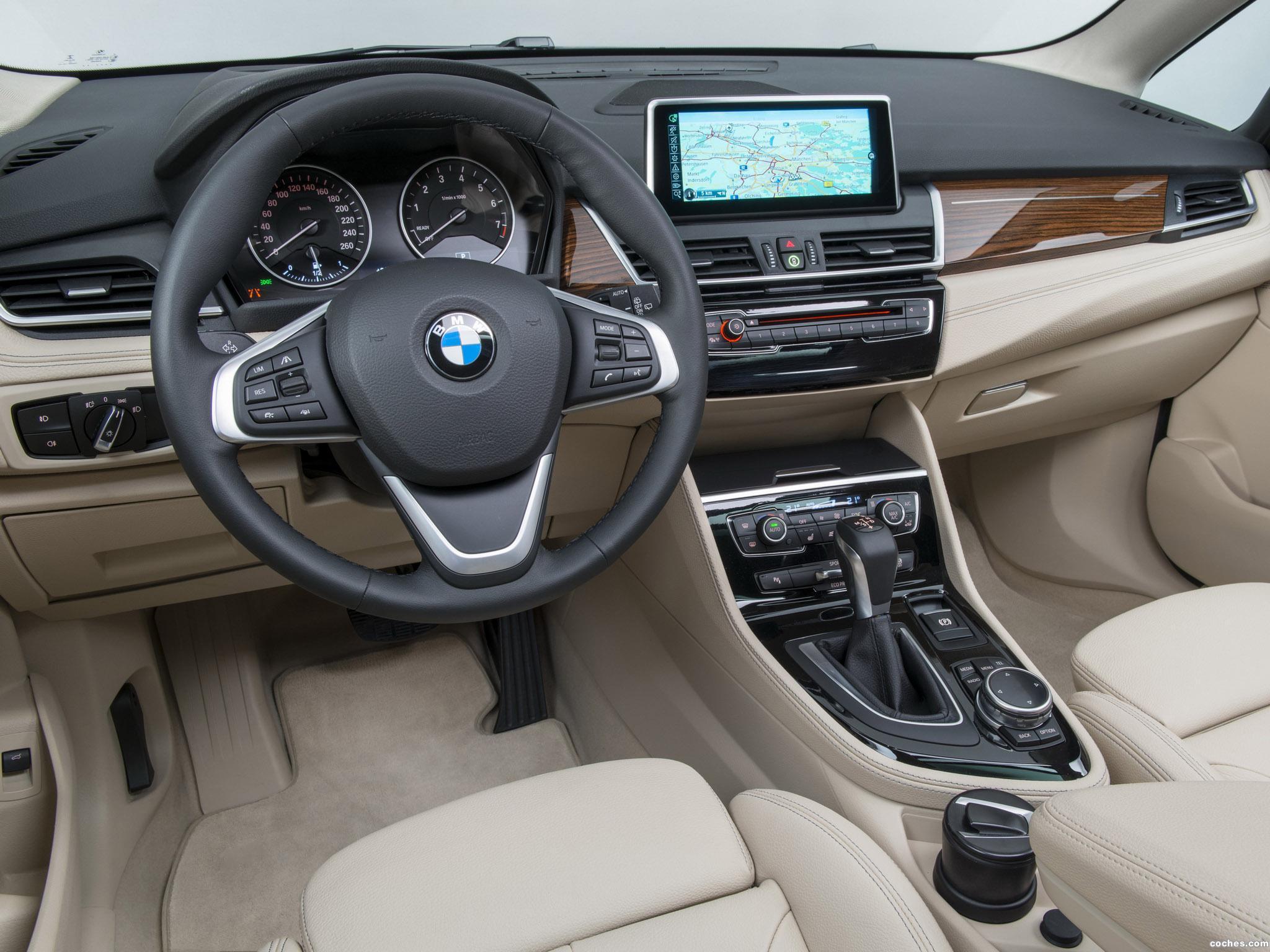 Foto 61 de BMW Serie 2 Active Tourer F45 225i 2014