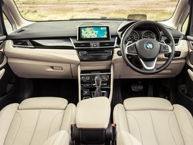 Ver foto 22 de BMW Serie 2 225i Active Tourer Luxury Line F45 UK 2014