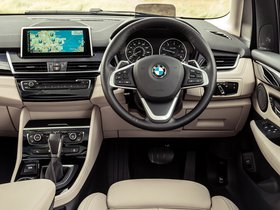 Ver foto 21 de BMW Serie 2 225i Active Tourer Luxury Line F45 UK 2014