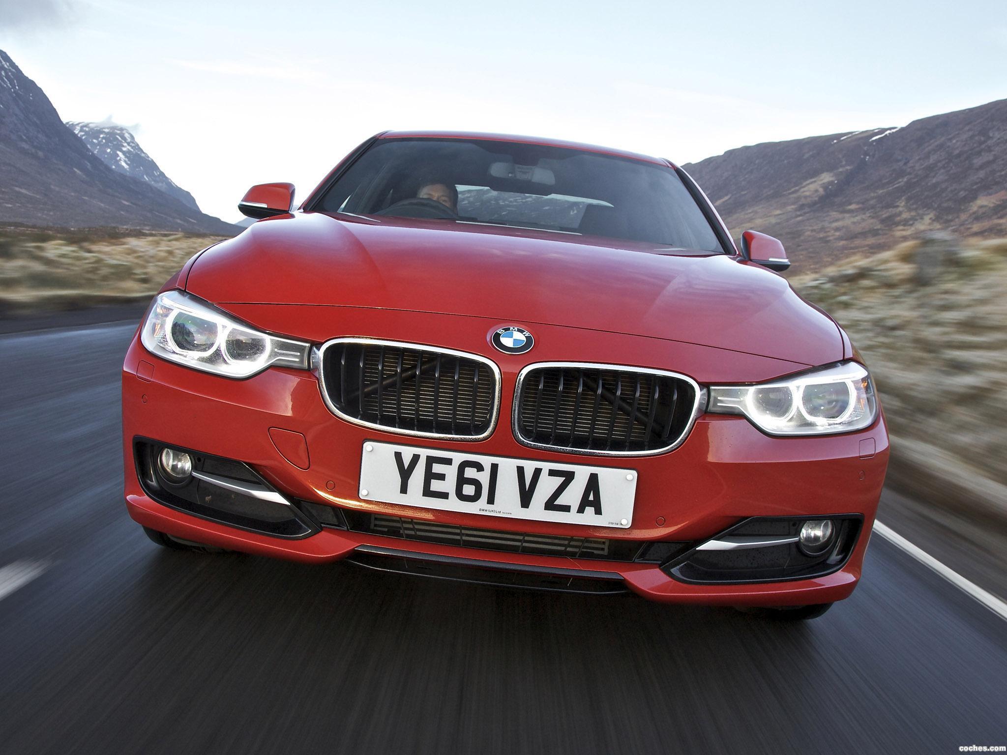 Foto 0 de BMW Serie 3 320d Sedan Sport Line F30 UK 2012