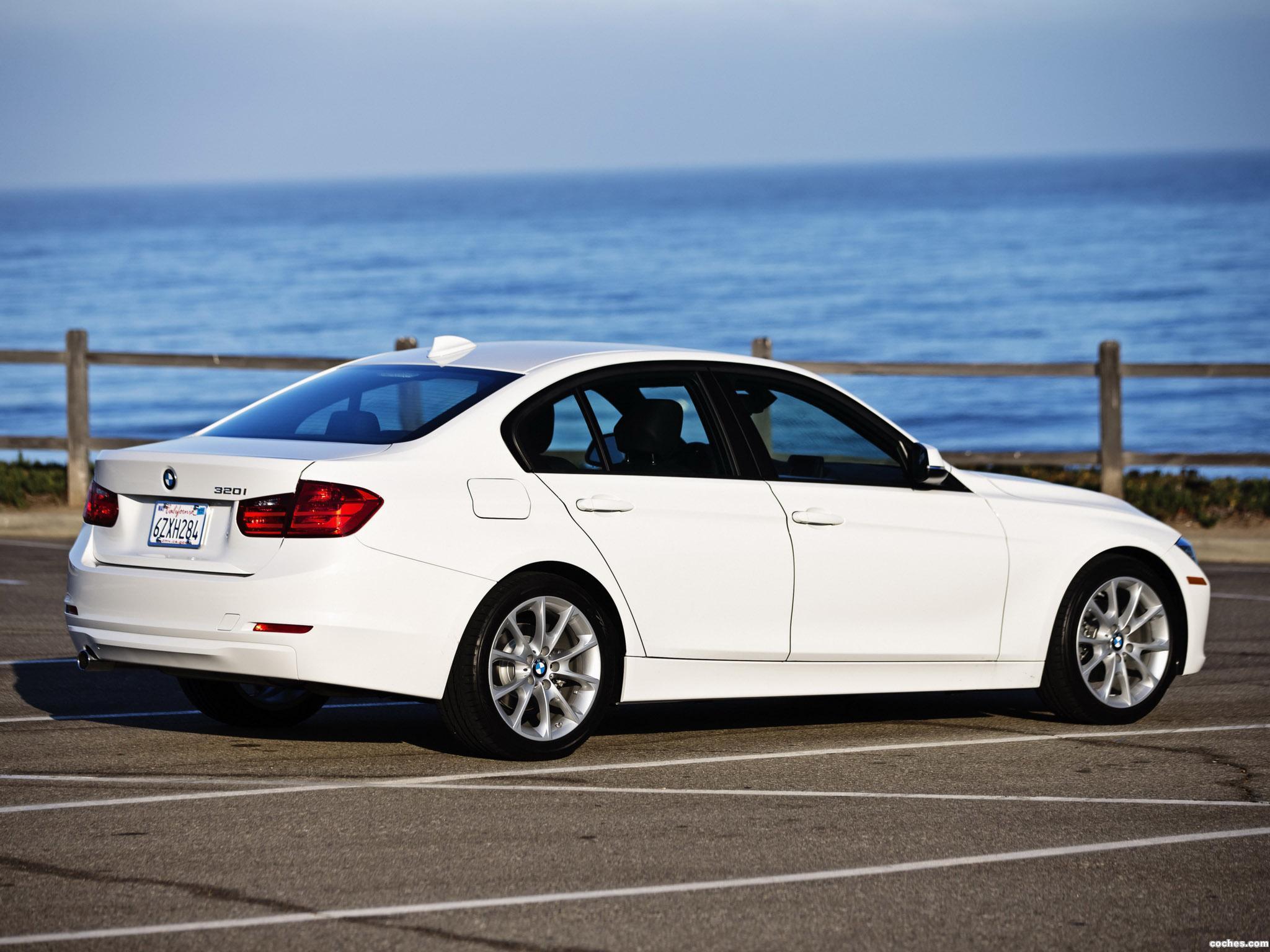 Foto 7 de BMW Serie 3 320i Sedan F30 USA 2013