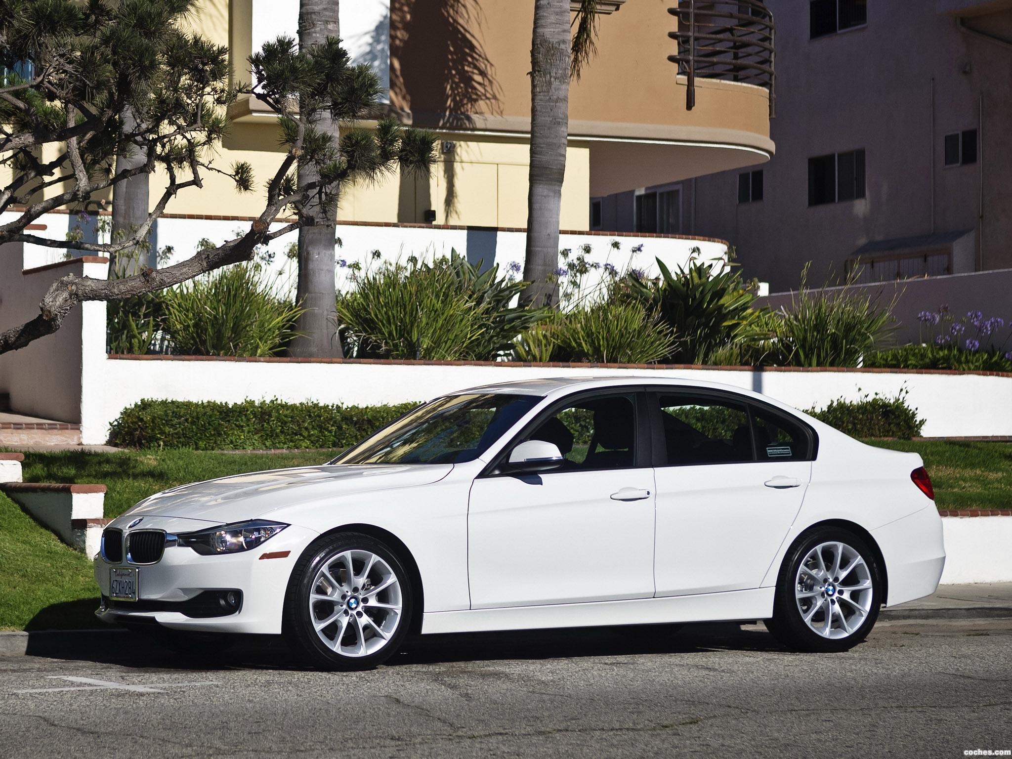 Foto 3 de BMW Serie 3 320i Sedan F30 USA 2013