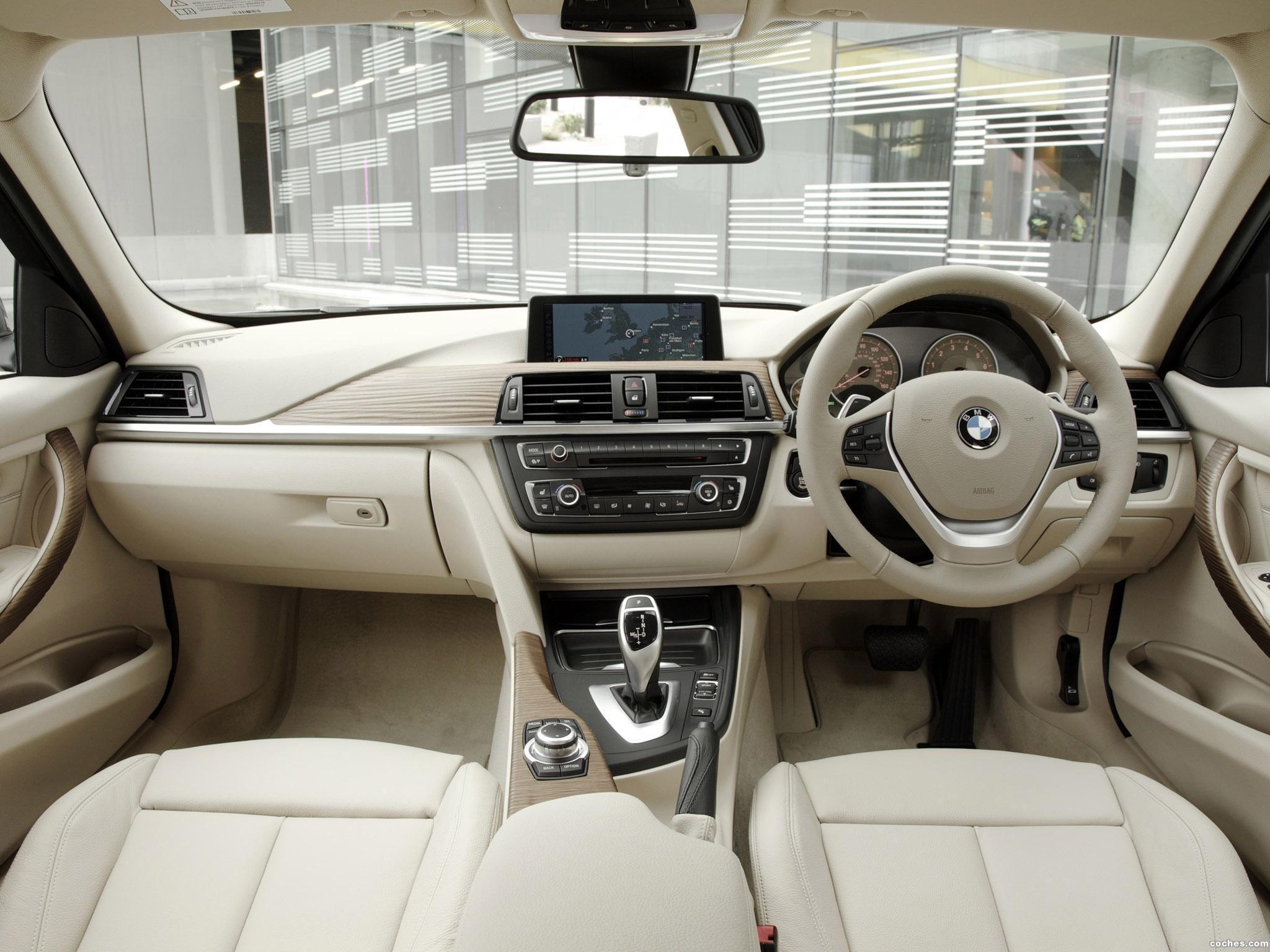 Foto 9 de BMW Serie 3 328i Sedan Modern Line F30 UK 2012