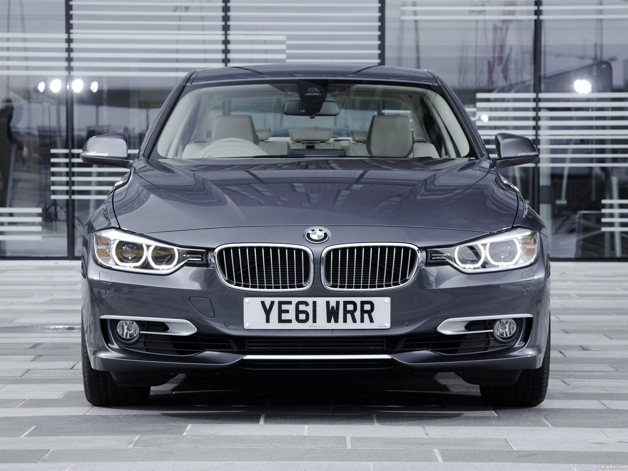 Foto 4 de BMW Serie 3 328i Sedan Modern Line F30 UK 2012
