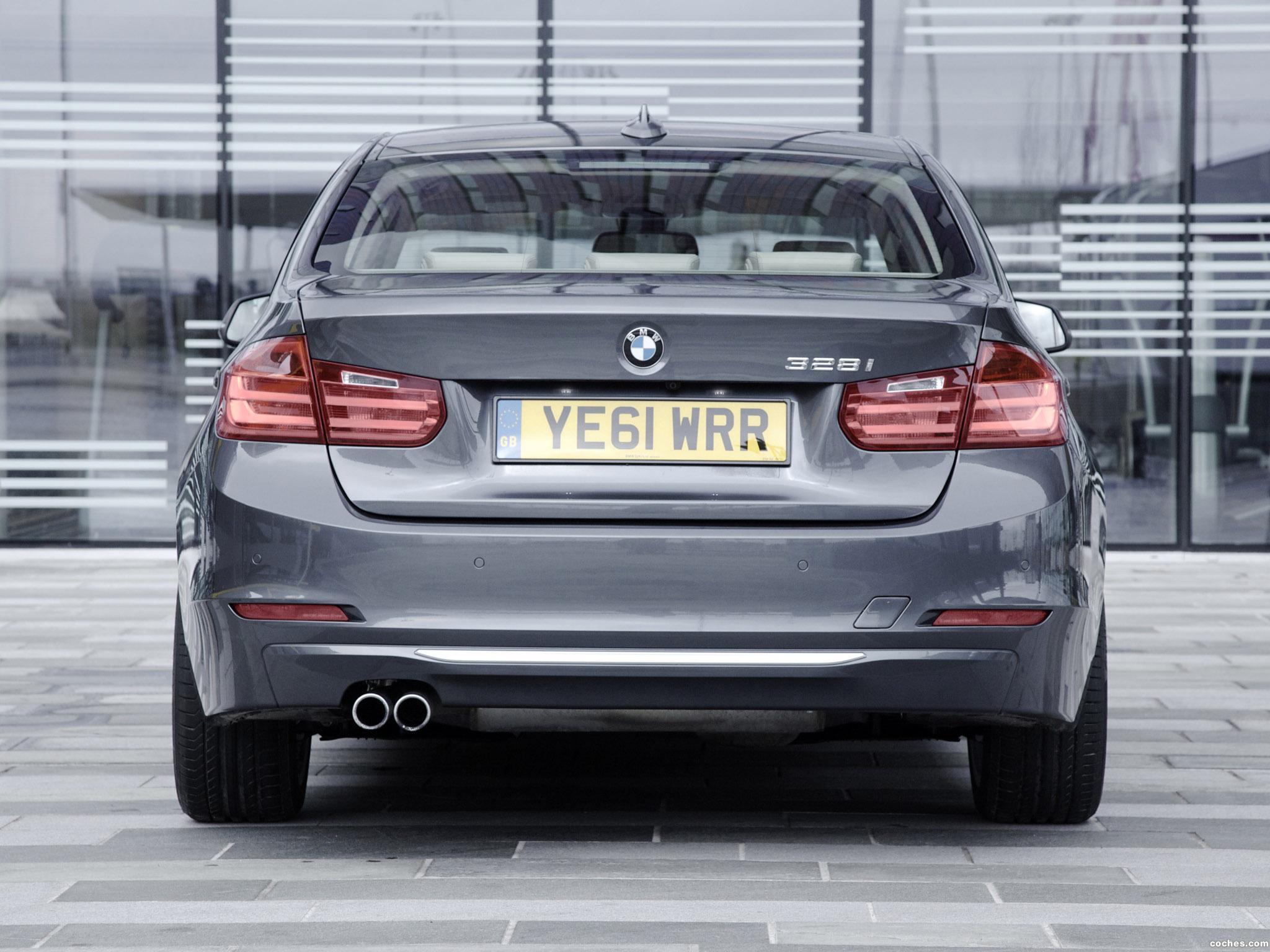 Foto 1 de BMW Serie 3 328i Sedan Modern Line F30 UK 2012