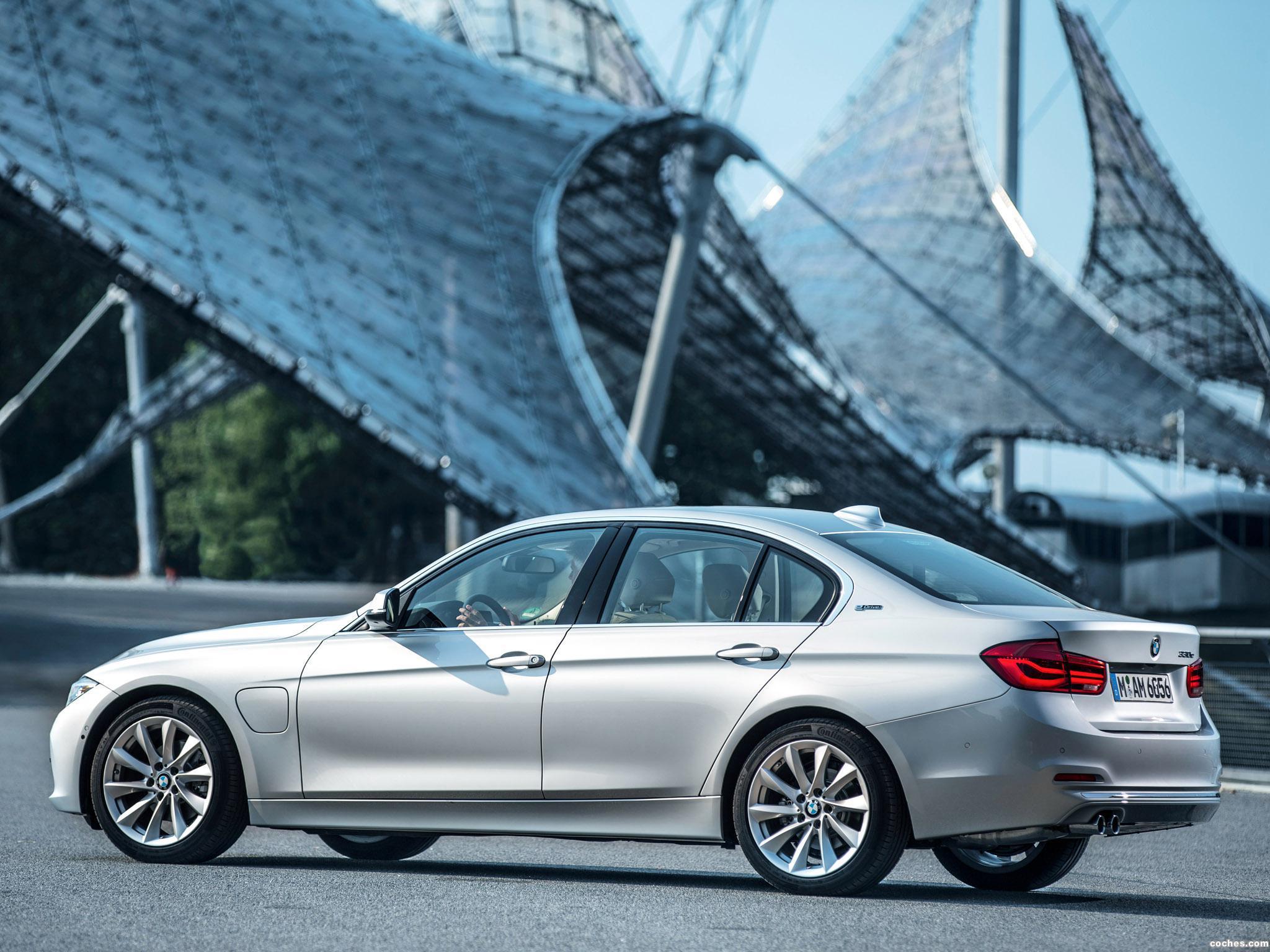 Foto 18 de BMW Serie 3 330e F30 2015