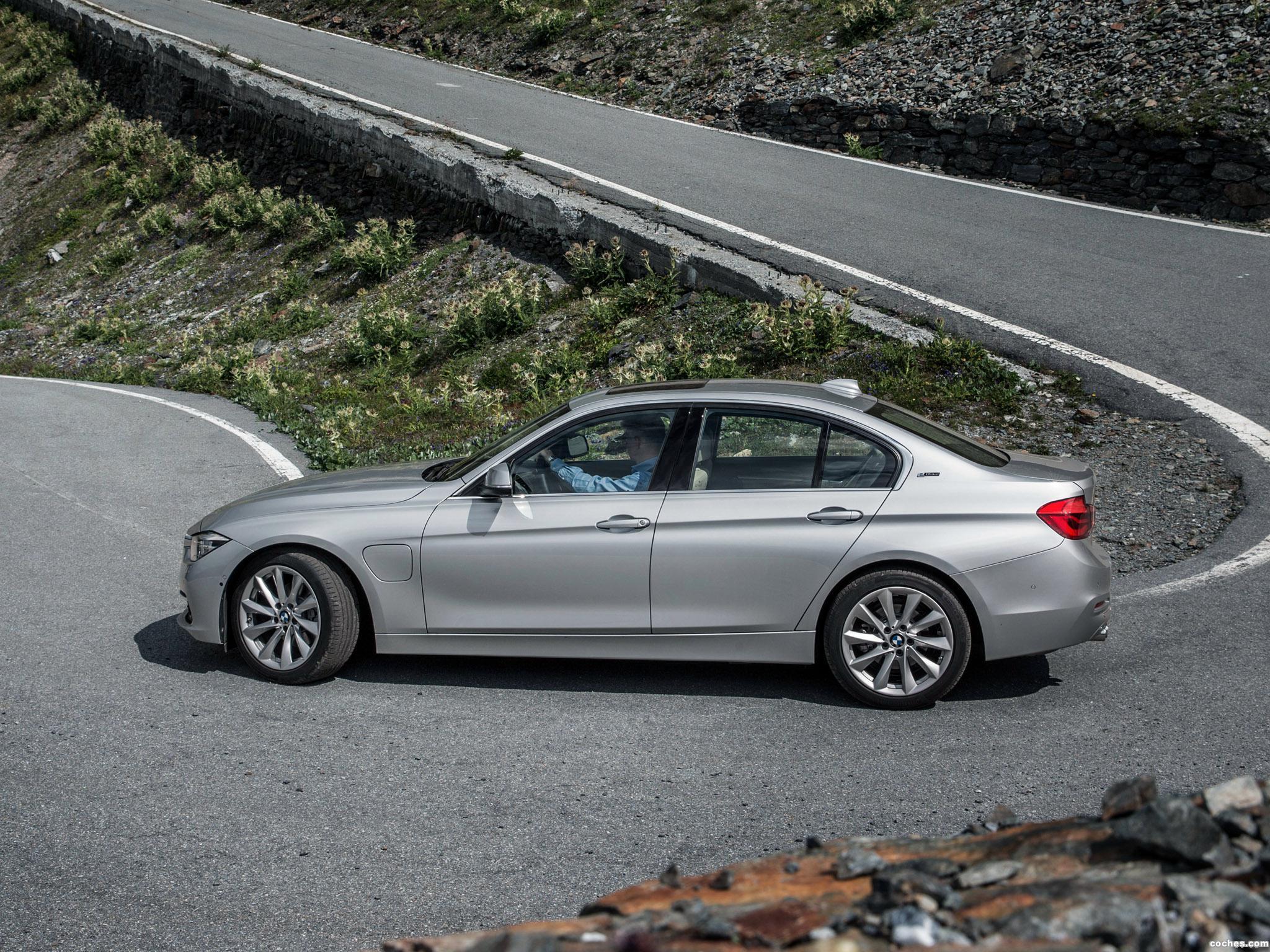 Foto 16 de BMW Serie 3 330e F30 2015