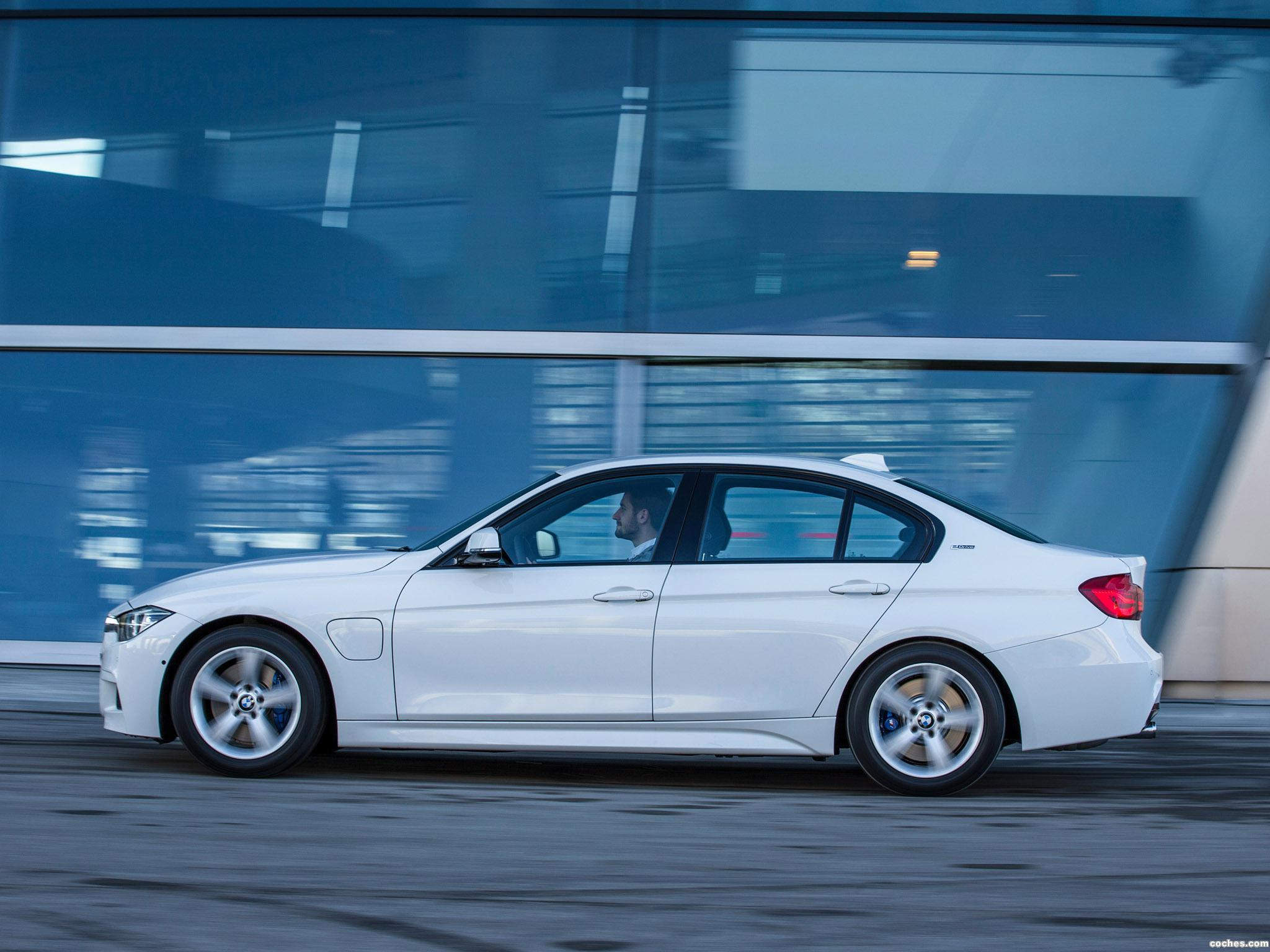 Foto 4 de BMW Serie 3 330e M Sport F30 2016