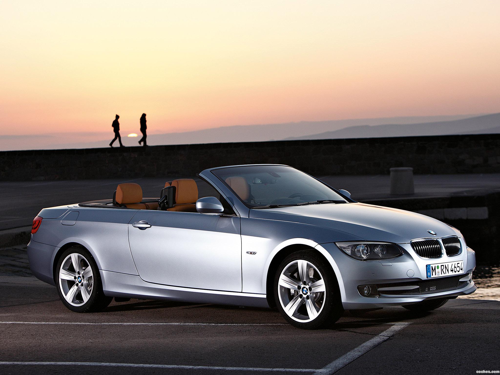 fotos de bmw serie 3 cabrio e93 2010. Black Bedroom Furniture Sets. Home Design Ideas